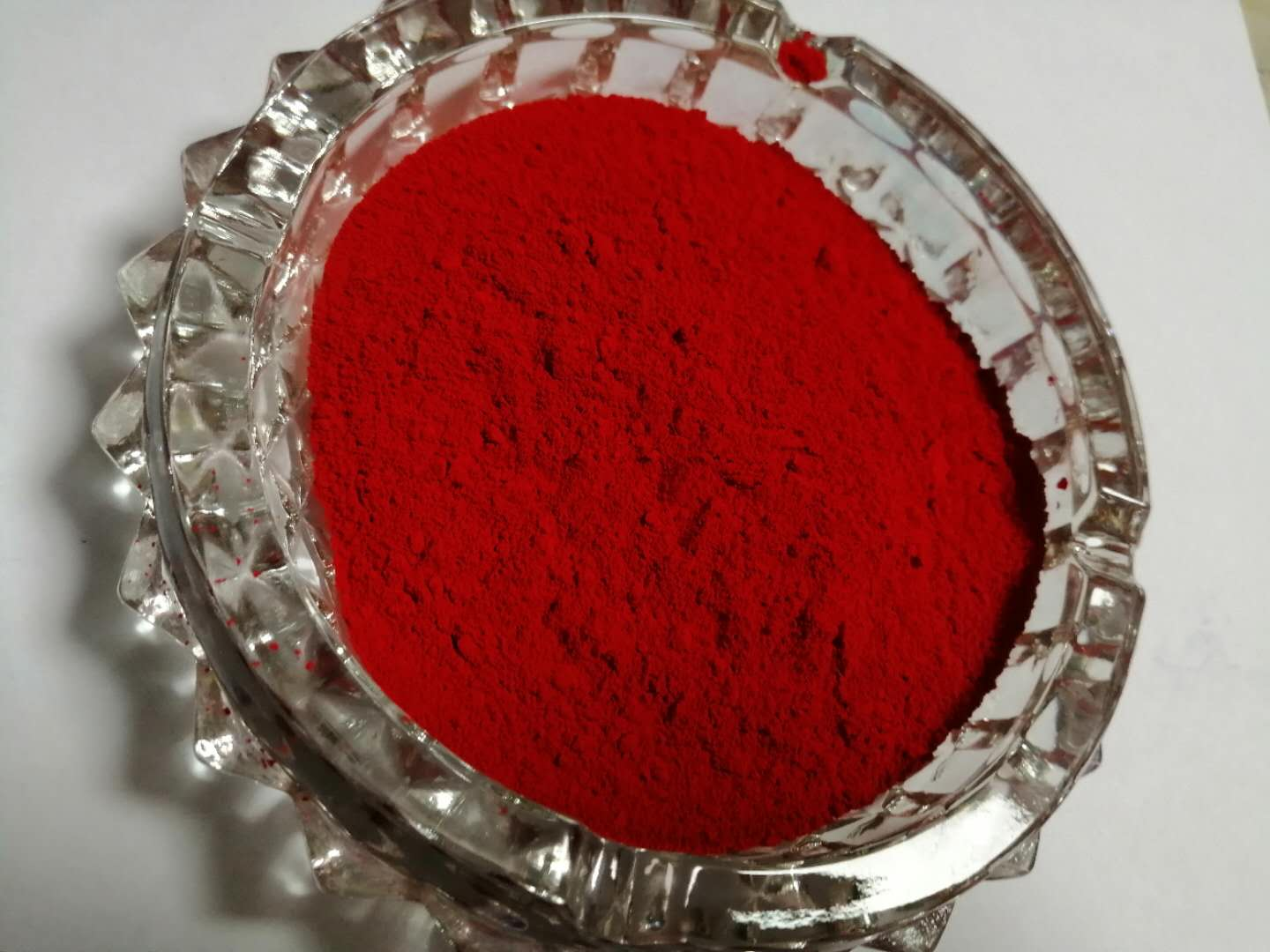 Pigment Red 22 Insoluble In Water High Heat Resistance Highly Recommend For Wax Coating, Plastic And Oil Based